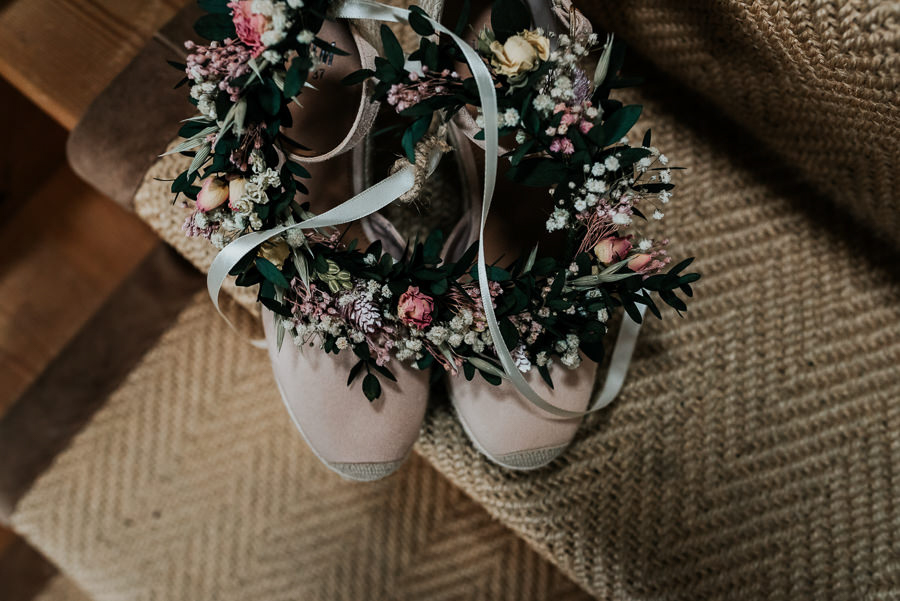 REAL WEDDING - Emily and Ashley's Rustic DIY Leicestershire Wedding, Captured by Jenny Appleton Photography = Folkey Dokey hair garland