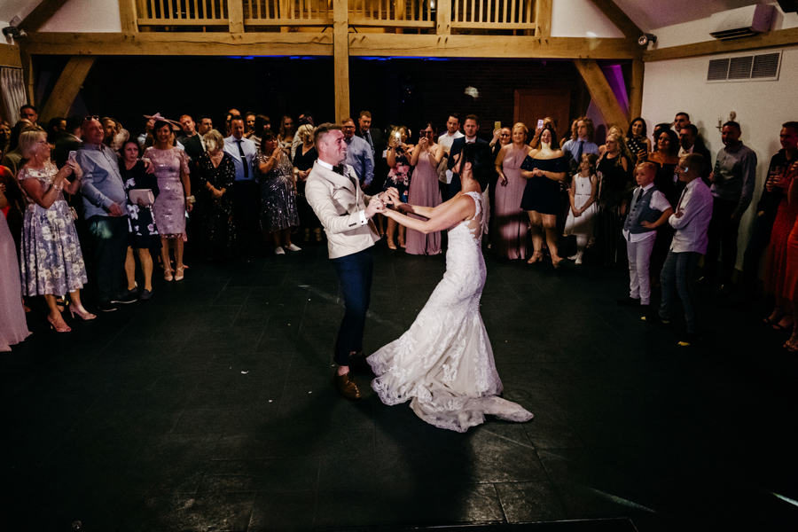 First Dance, Mythe Barn Wedding, Ed Brown Photography