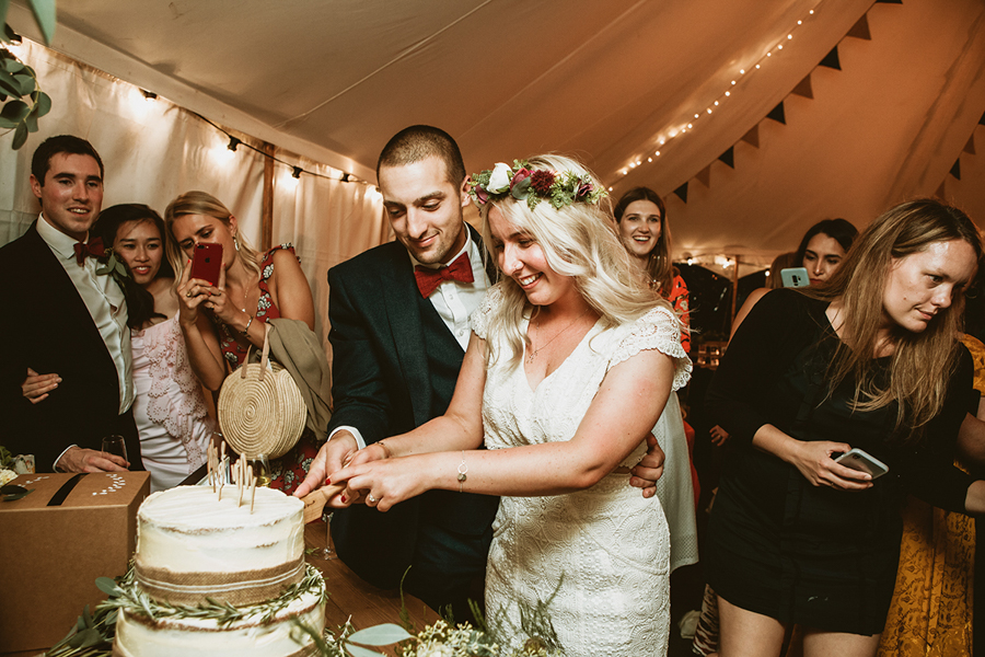 Real Wedding -the Cake Captured by GREEN UNION Partner Benni Carol At The Remenham Club