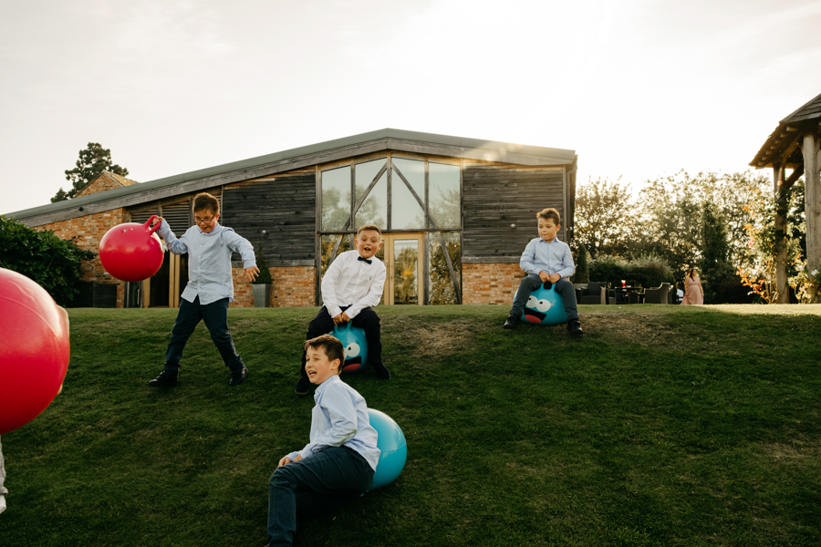 Kids Entertainment, Mythe Barn Wedding, Ed Brown Photography