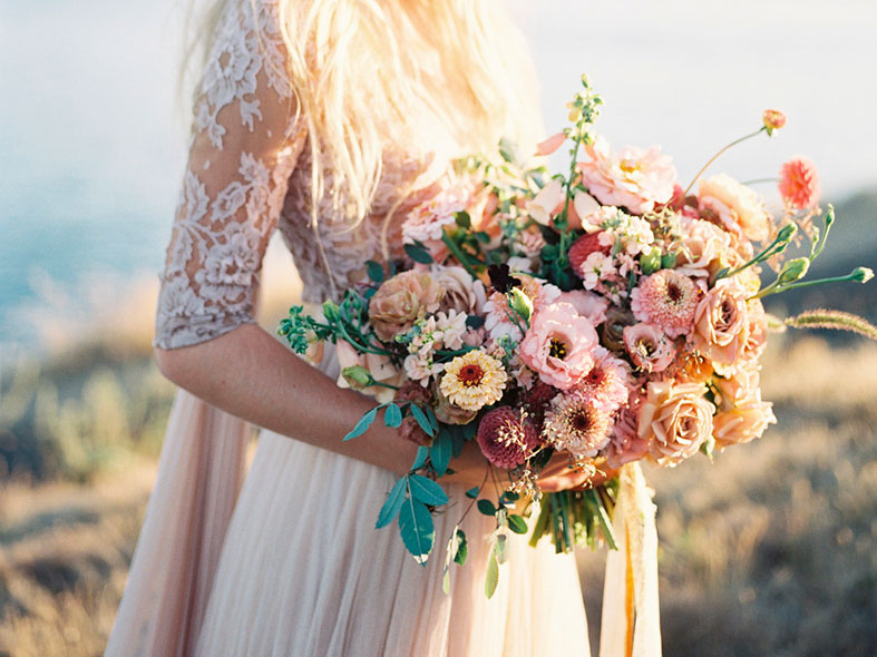 FLOWERS: Green wedding flower trends for 2016/2017