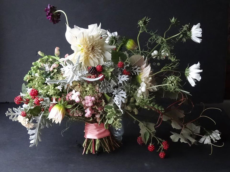 flowers: green wedding flower trends for 2016/2017   green union