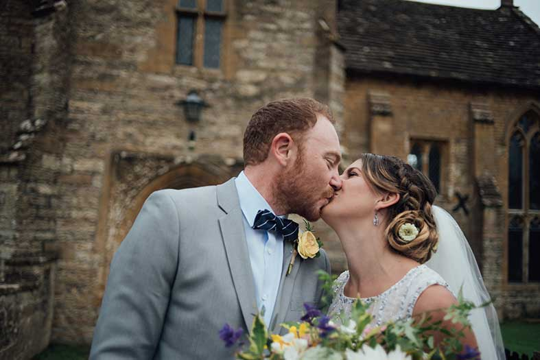 GREENUNIONS: A Laid Back Budget DIY Wedding in Glastonbury Field | Tamsin and Jim