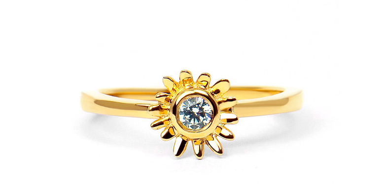 Adorable engagement ring from Arabel Labrusan's Secret Garden Collection