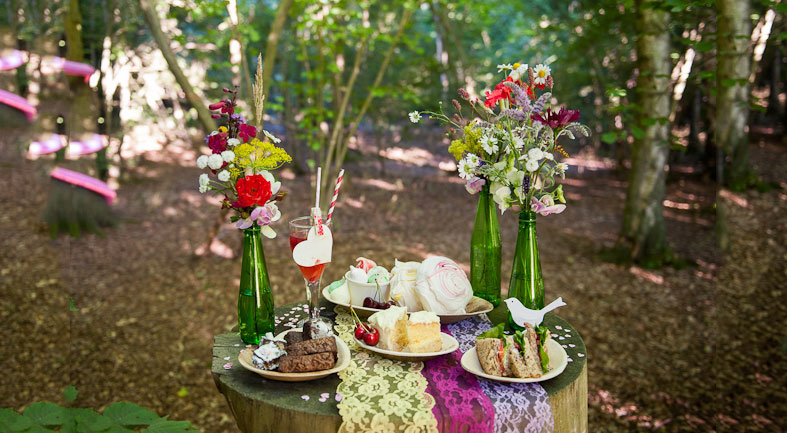 SEASONAL INSPIRATION: Perfect Picnic Wedding Receptions