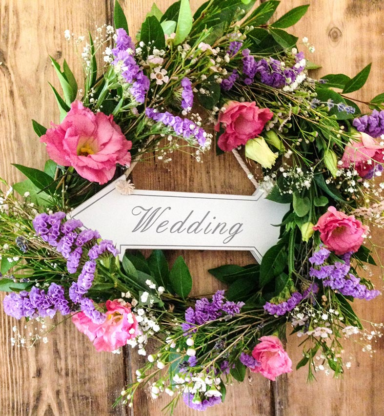 Welcome wedding wreath from Green Wedding Boutique