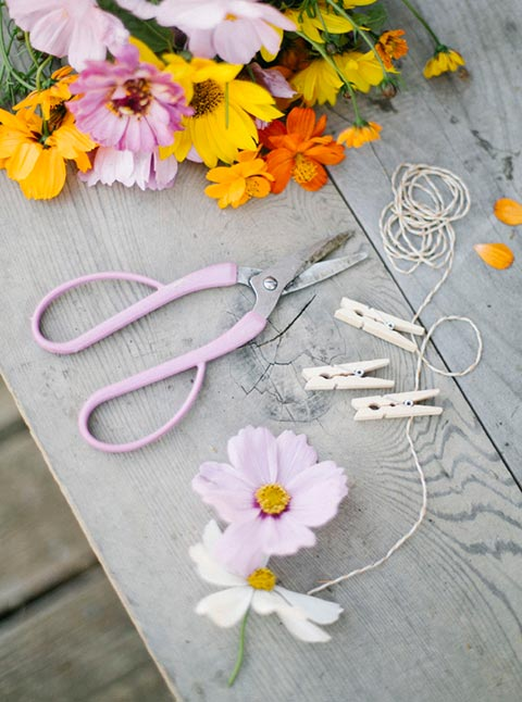 diy-romantic-cosmos-flower-garland.jpg
