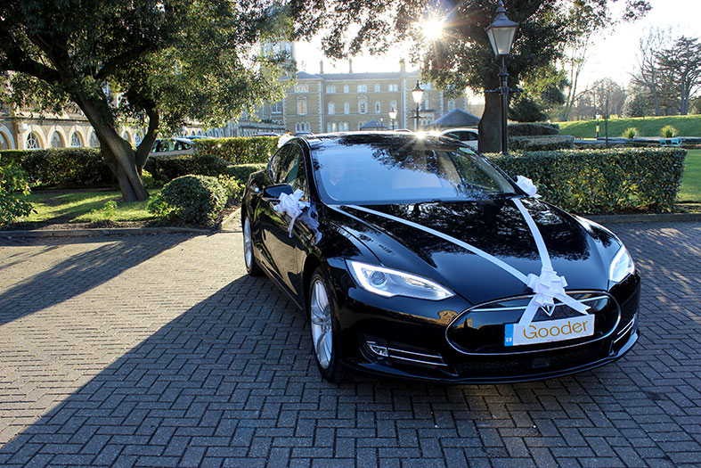 The beautiful carbon neutral Tesla S wedding car from Gooder London